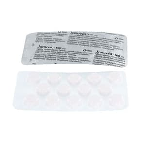 Front and rear view of Januvia 100mg tablet blister packs